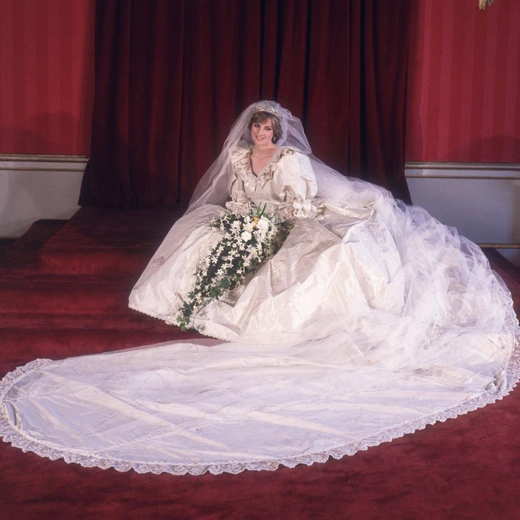 Принцесса диана на свадьбе сына фото